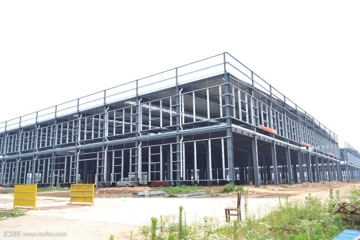 一般我们常见的钢框架结构是由什么组成的呢?